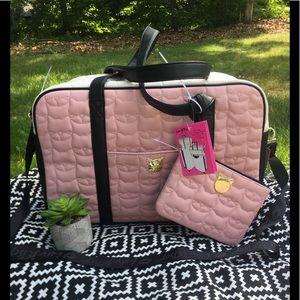 😻NWT😻Betsey Johnson LBCRUIZE Weekender Bag